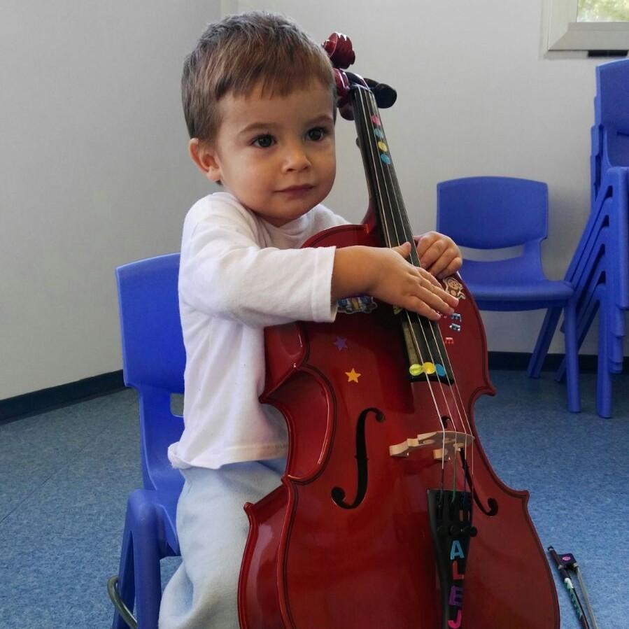 música instrumento niño